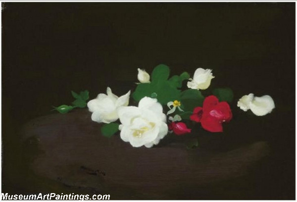 White and pink roses on a round table